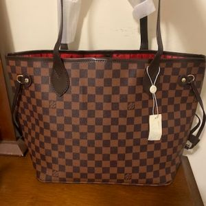 ***neverfull med Louis Vuitton M
